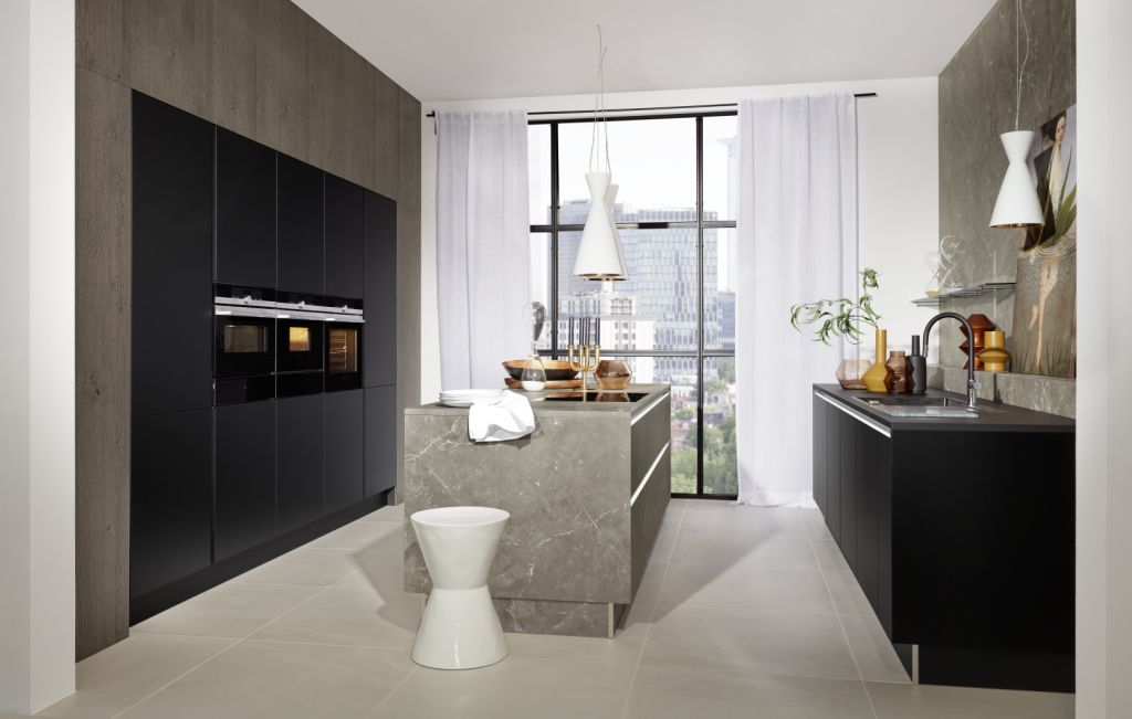 Manhattan - Marmor grau / Plus schwarz Lack softmatt